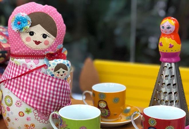 Artesanato de bonecas russas para vender na Copa do Mundo