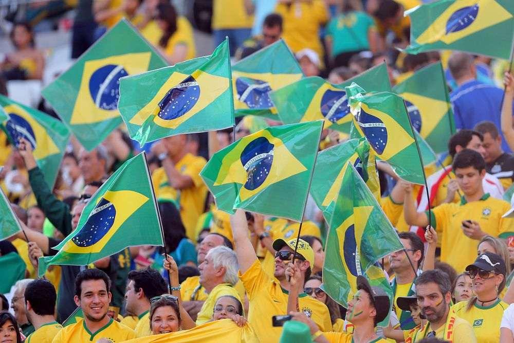 Resultado de imagem para torcida brasileira na russia