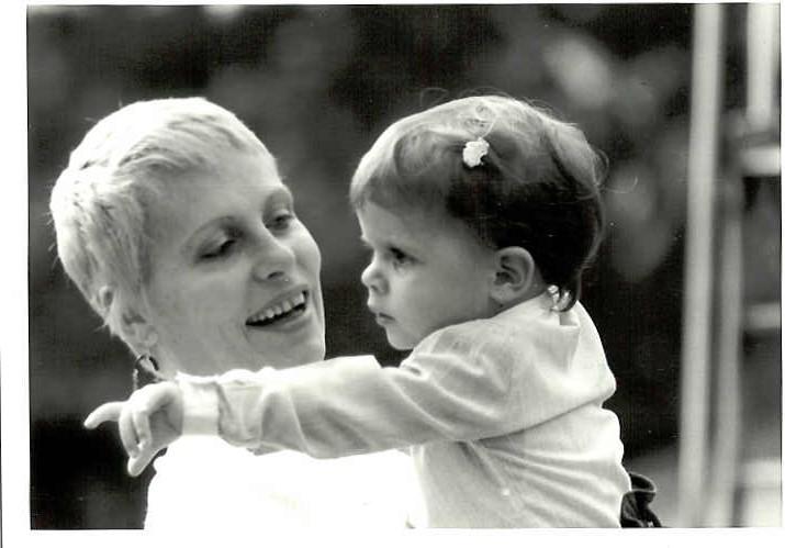 Ana Maria com a primeira filha, Mariana