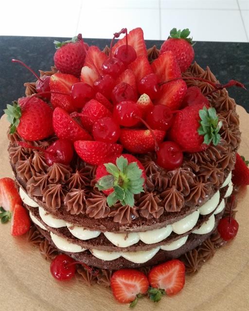Receita De Naked Cake De Leite Em P, Chocolate E Frutas -9664